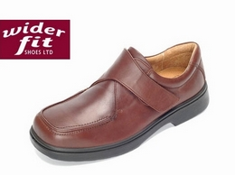 https://www.widerfitshoes.co.uk/ website