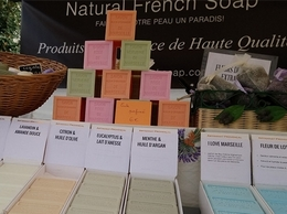 https://www.naturalfrenchsoap.com/ website